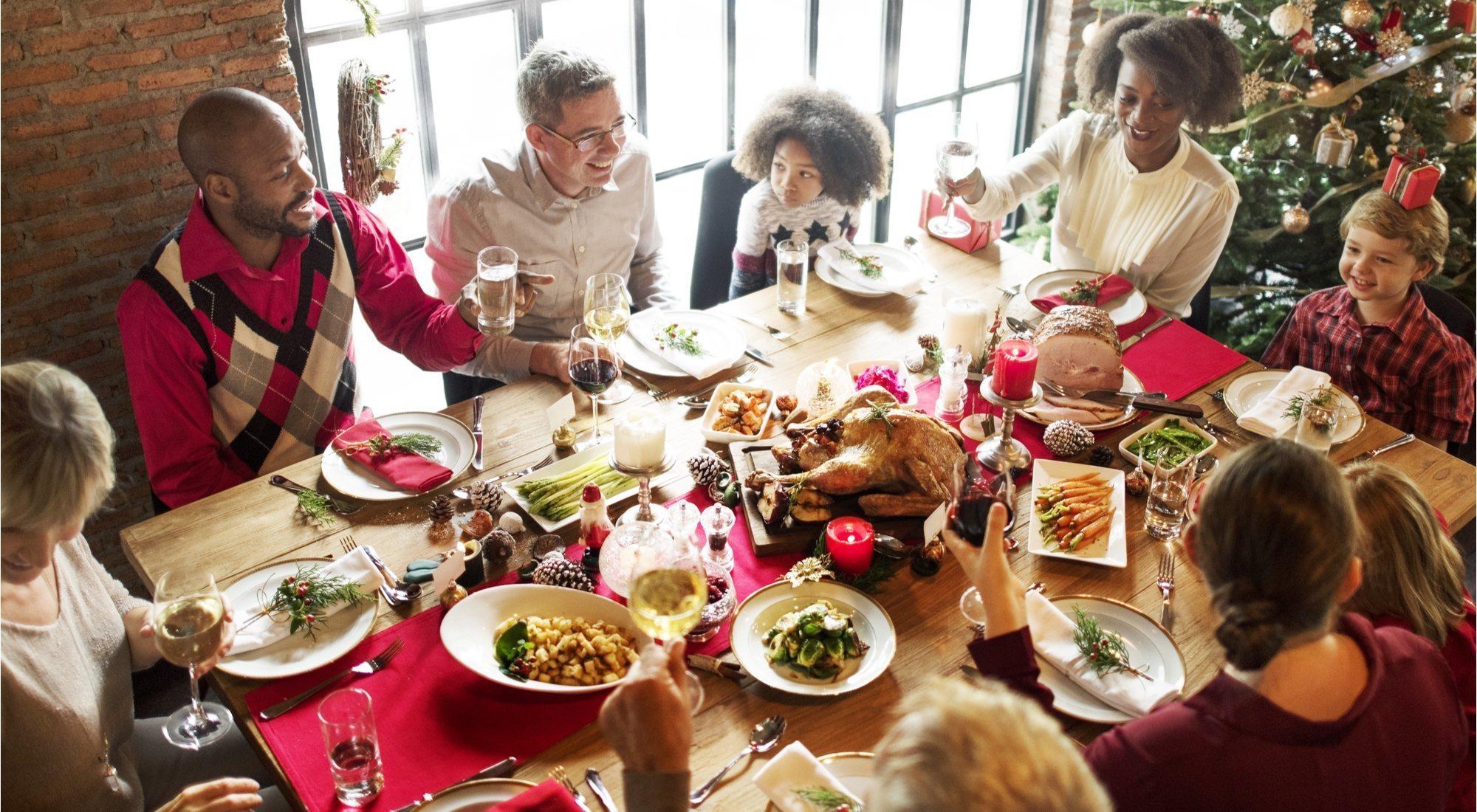 Cómo sobrevivir a la cena de Nochebuena (y al resto de reuniones familiares navideñas)