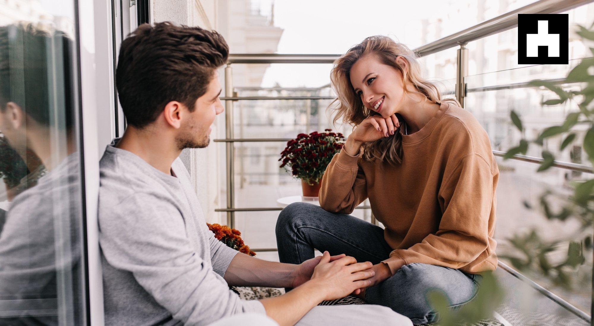 El tonteo inicial en una relación, una etapa más propia de 'Bandersnatch'