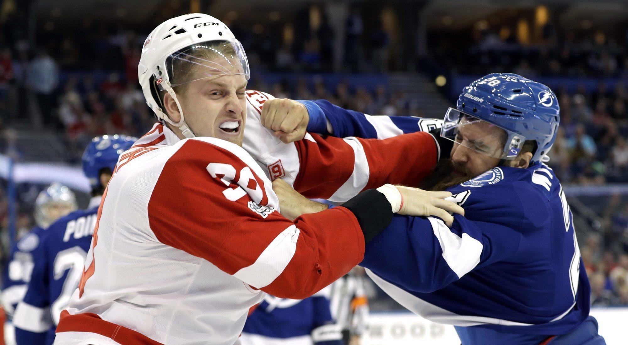 ¿Por qué pegarse es motivo de orgullo en la NHL?