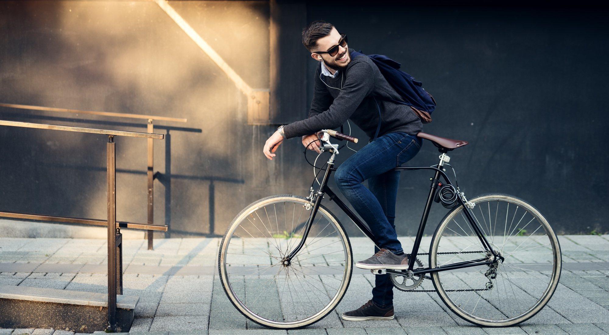 La odisea de ir al trabajo en bicicleta: problemas y trucos