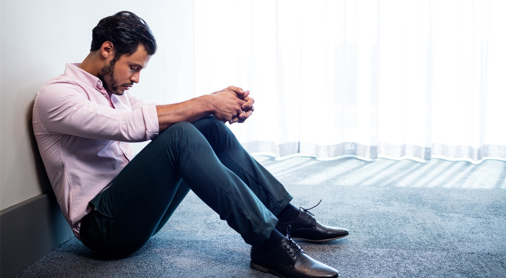 Cómo afrontar el duelo por una pérdida: 5 fases y mucha paciencia