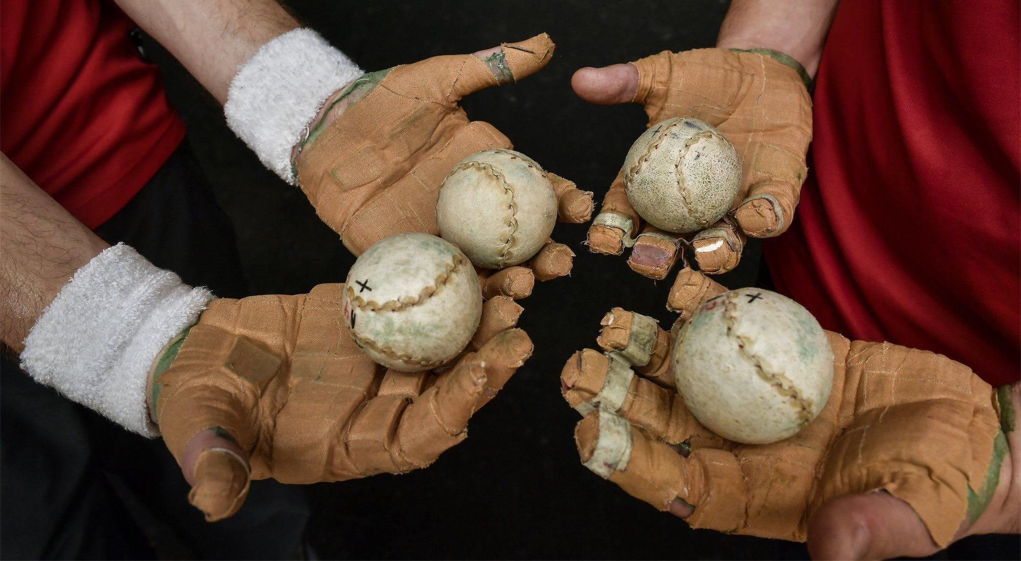 Pelota a mano o pelota vasca: final entre Irribarria y Urrutikoetxea