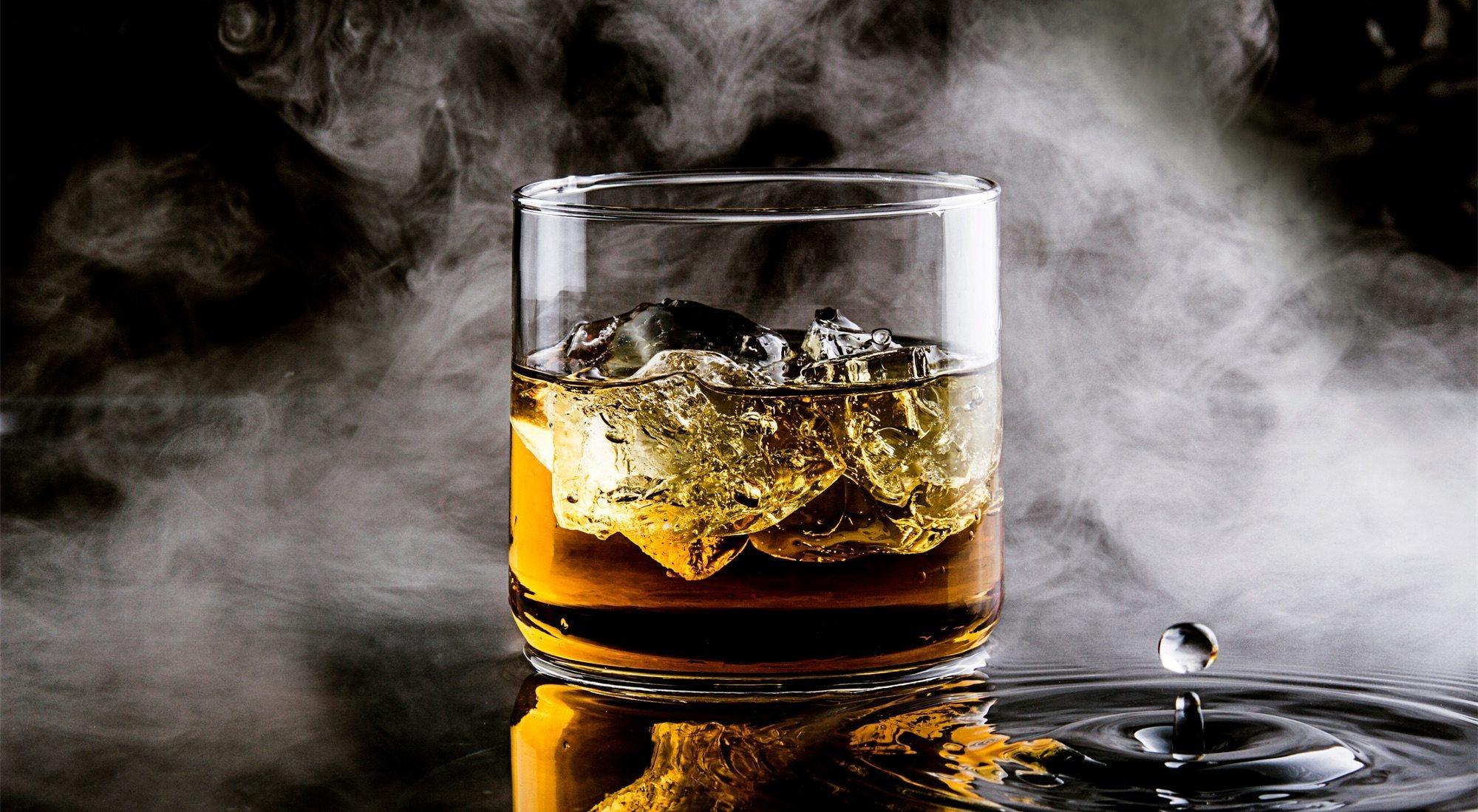 Mackmyra: el primer whisky creado mediante IA es de Suecia