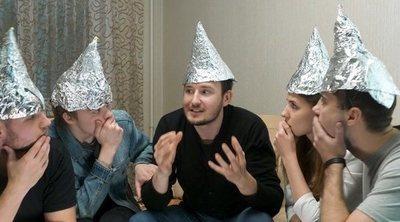 Las 4 teorías de la conspiración más extendidas