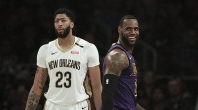 El '23' ya no es de LeBron James, sino de Anthony Davis