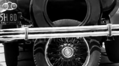 Ruedas giratorias, un quinto neumático... las ideas para aparcar en el siglo XX