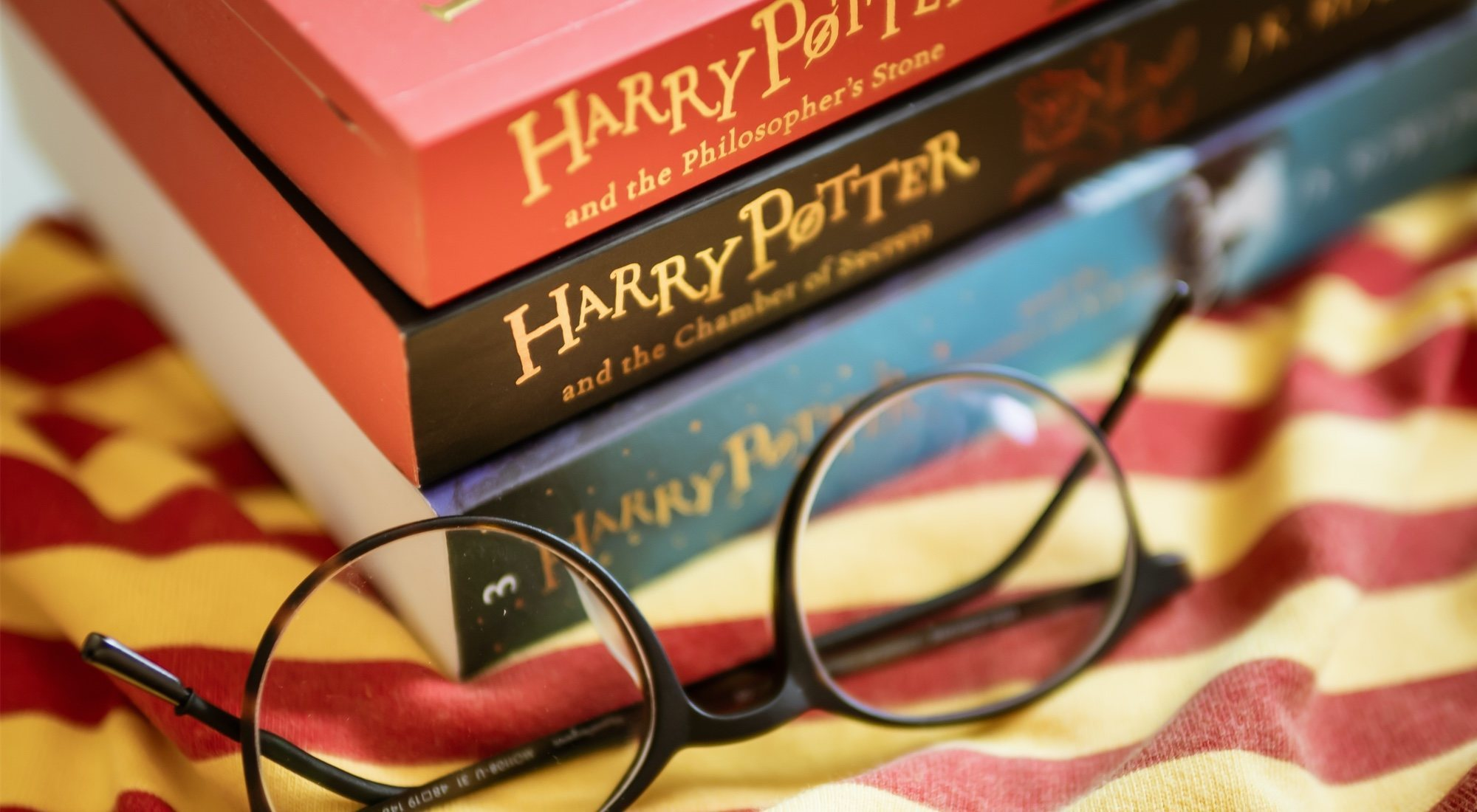 5 sagas de literatura juvenil que todo millennial recuerda