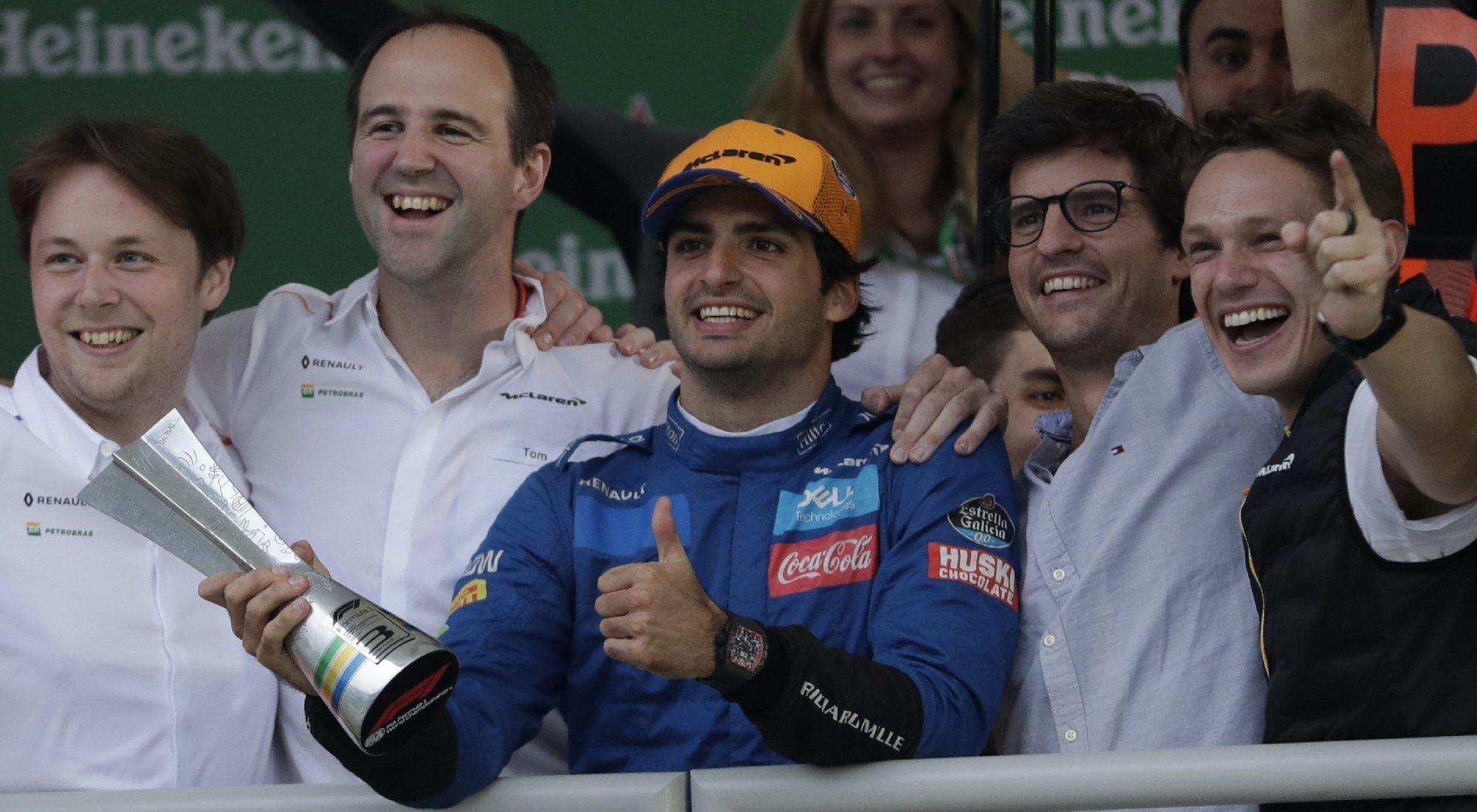 F1: Carlos Sainz consigue su primer podio y ya escribe su propia historia