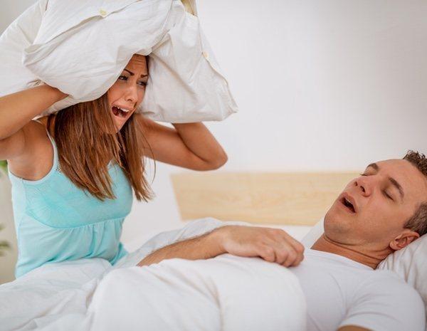 Qué hacer si tu pareja ronca: el problema más escondido en la relación -  MENzig
