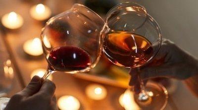 El poder sexual del vino, un secreto para mejorar tus relaciones