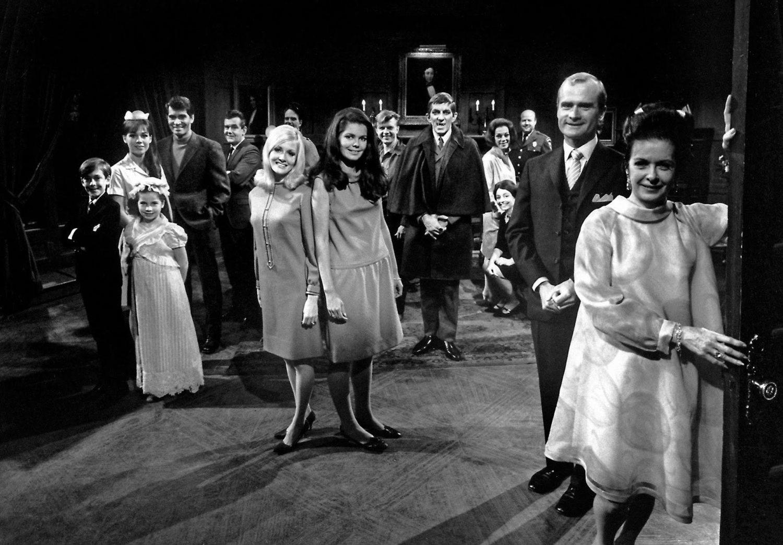 'Dark Shadows' o 'Sombras tenebrosas' acabó contando con 5 temporadas a primeros de los 60 en ABC
