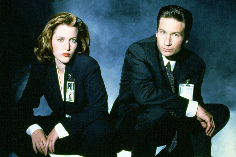 Los agentes Mulder y Scully protagonizan una de las series de terror más longevas de la historia, 'Expediente X'.