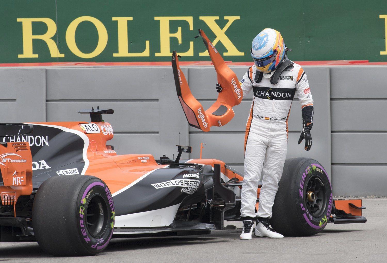 Lamentablemente, esta es la imagen más repetida de Alonso en su nuevo periplo por McLaren.