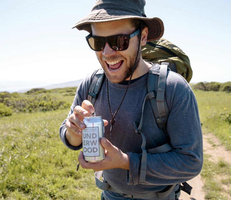 Las latas de vino se han convertido en todo un éxito en EEUU entre los millennials.