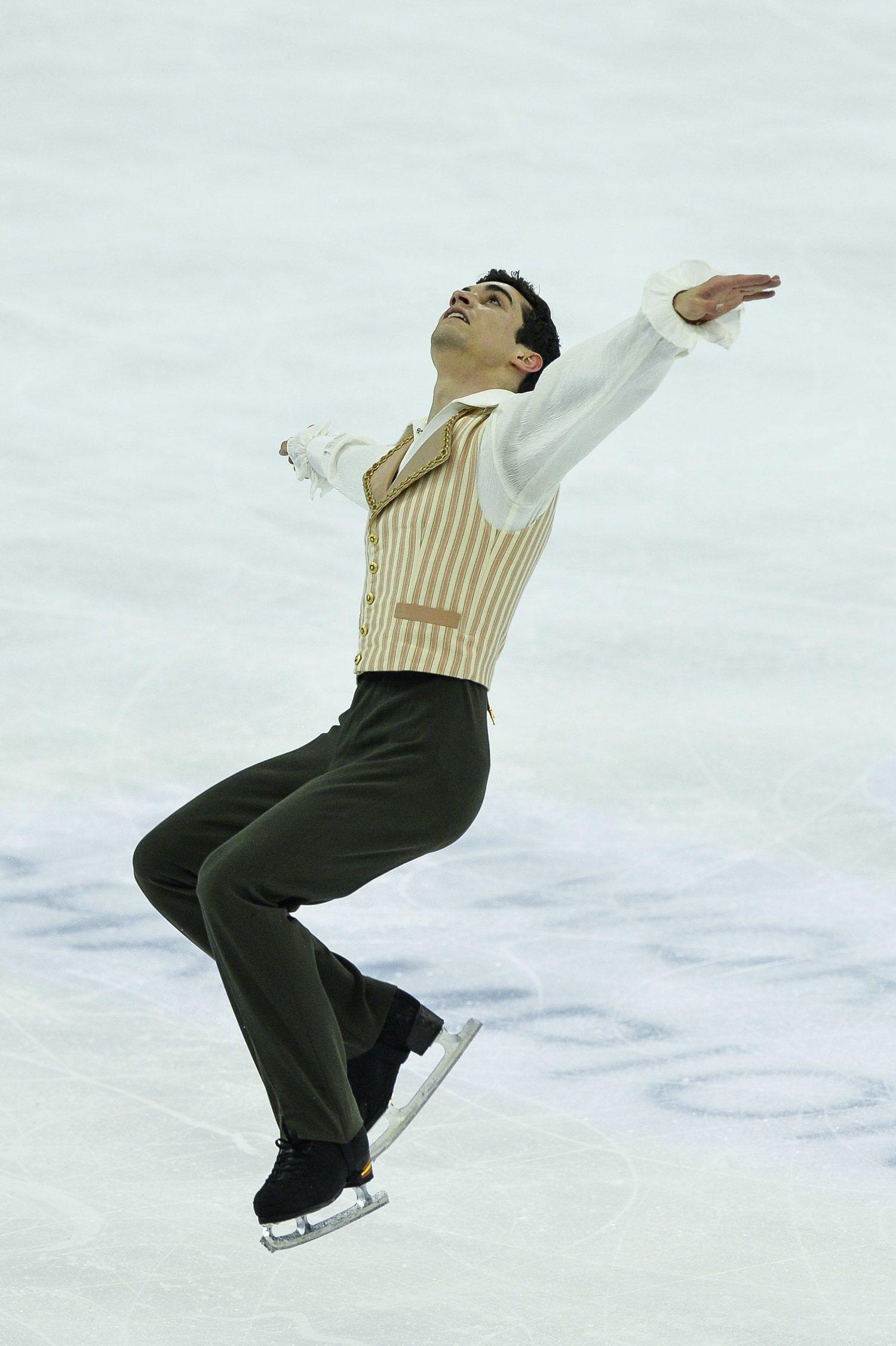 Los motivos de Javier en sus números suelen ser variados y originales. Para muestra esta versión 'on ice' de El Barbero de Sevilla en el Mundial de 2015, con la que consiguió el oro.