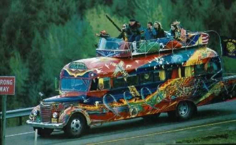 Ken Kesey y sus compañeros recorrieron la bahía de San Francisco montando fiestas en las que experimentaban con LSD.