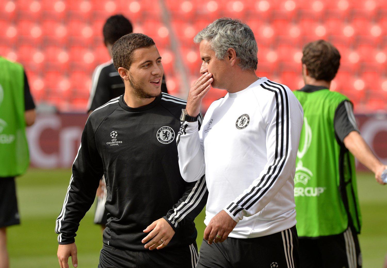 Mourinho entabló buena relación Hazard. El crack belga ha llegado a reconocer que estaría dispuesto a volver a trabajar bajo las órdenes del luso.