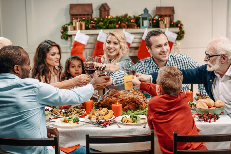 Esta familia parece feliz. Eso es porque aún no han hablado sobre Quim Torra.