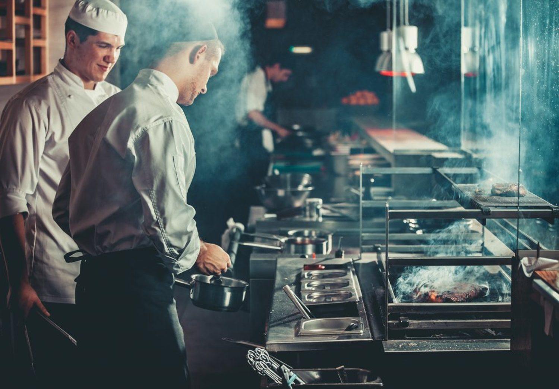 El sueldo y la plantilla en la cocina han sido reforzadas, para evitar que ellos también se marchen.