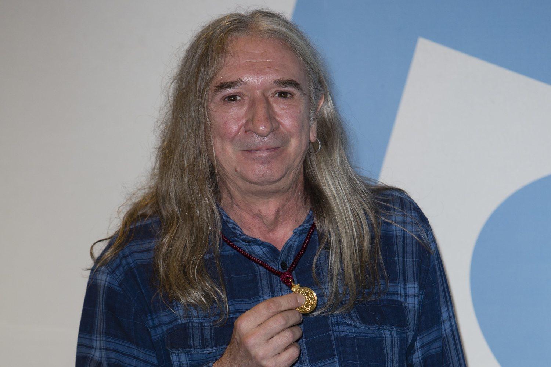 Rosendo, con la Medalla de Oro de Madrid.