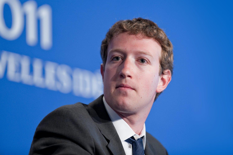 Zuckerberg se frota las manos con hashtag como #10YearsChallenge