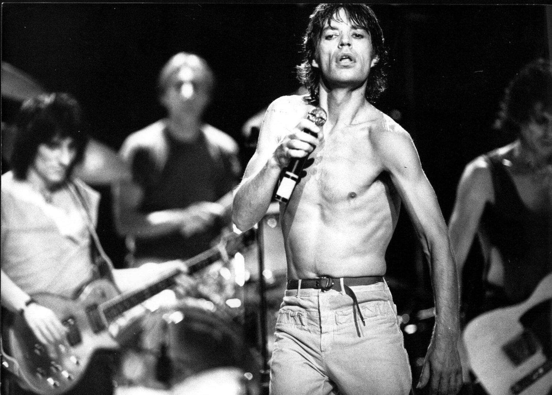 Mick Jagger durante un concierto en el año 1970