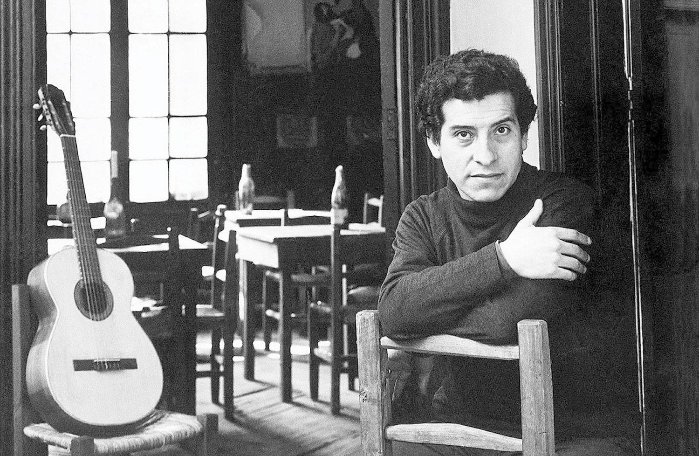 Victor Jara fue asesinado por el mensaje de sus canciones, pero dejó un gran legado musical y teatral