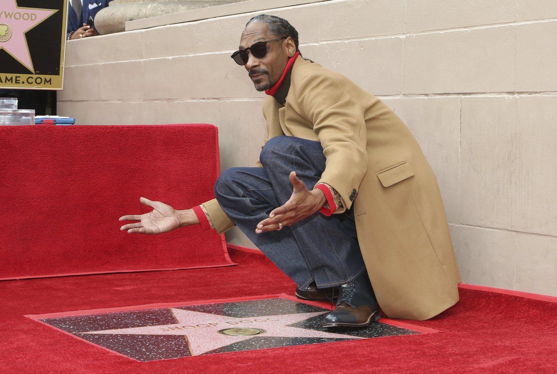 Snoop Dog, inaugurando su placa en el paseo de la fama de Hollywood