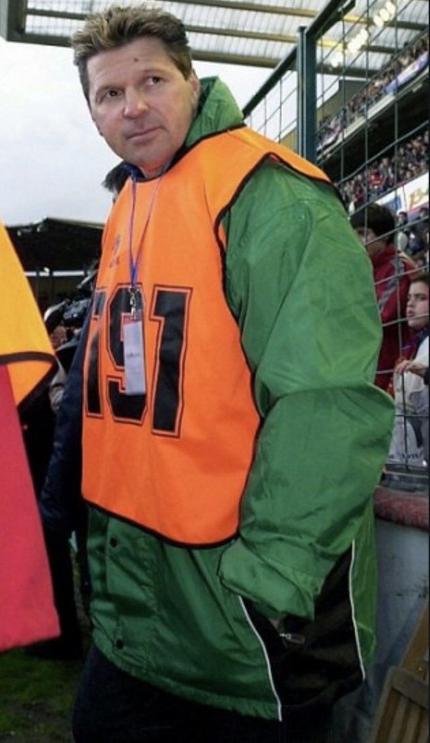 En su primera etapa en el Racing, Piterman se hacía pasar por fotógrafo para estar a pie de campo. Luego ya le terminó dando igual y lo hacía sin disfraces.