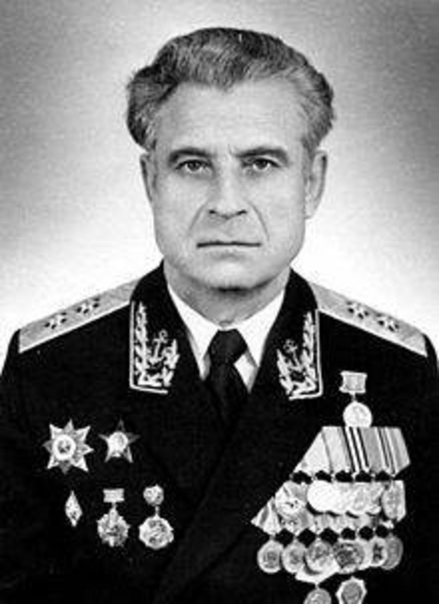 Vasili Arkhipov rechazó proceder al lanzamiento de los torpedos nucleares, evitando así el inicio de la III Guerra Mundial.