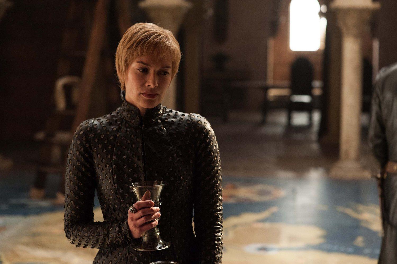 No caigáis en la tentación y no fastidiéis al resto con spoilers como que Cersei en realidad... No tengo ni idea de cómo seguir, la verdad.