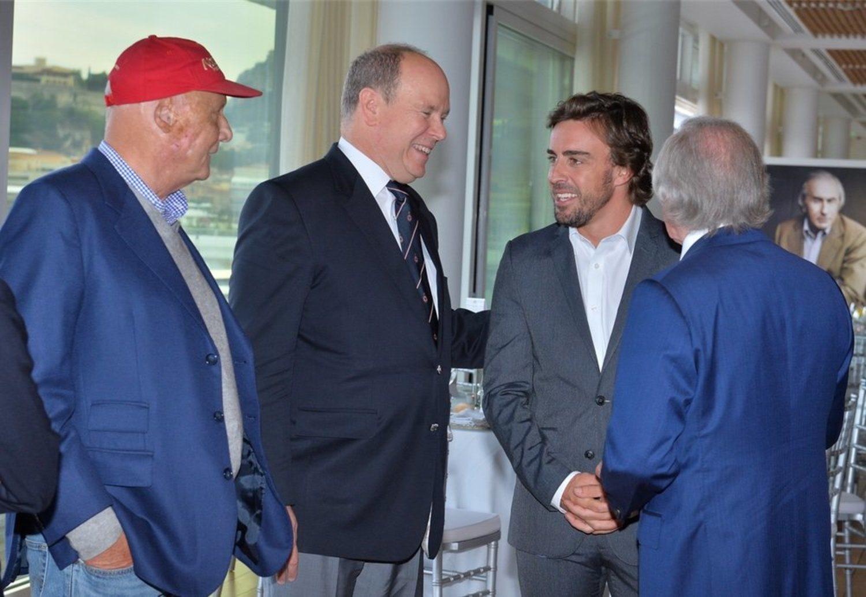 Niki Lauda junto al príncipe Alberto de Mónaco y a Fernando Alonso