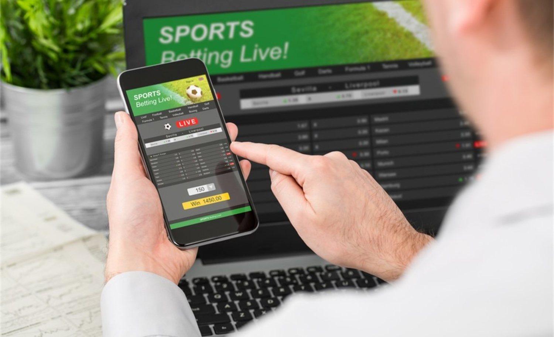 Las apuestas se han convertido en el principal negocio paralelo al fútbol