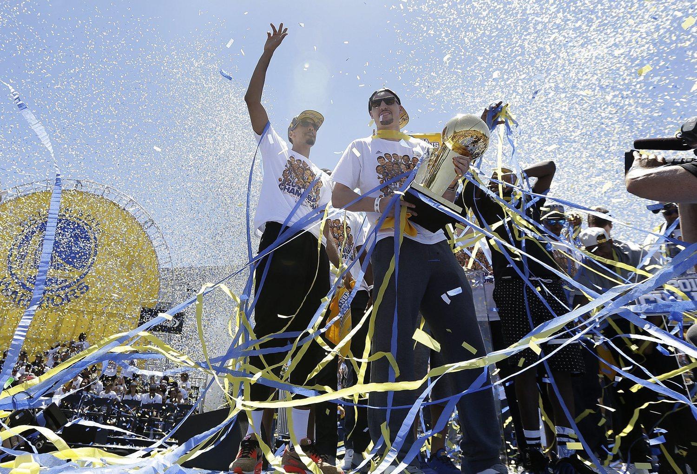 Golden State Warriors (junto a Chicago Bulls) es la tercera franquicia con más campeonatos (6).