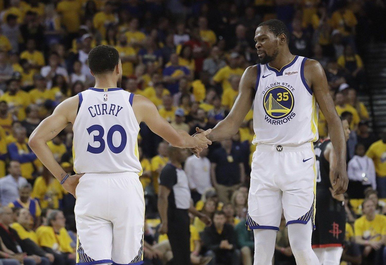 Durant y Curry, dos de los mejores jugadores de la NBA, a punto de perderla