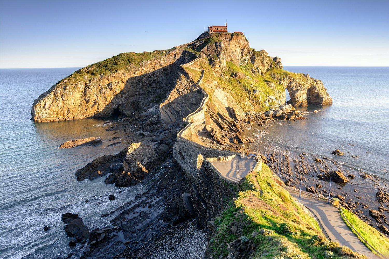 San Juan de Gaztelugatxe fue el lugar elegido para recrear la fortaleza de Rocadragón, hogar de la Casa Targaryen.