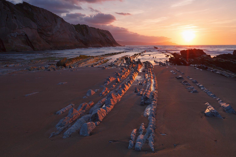 En la Playa de Itzurun se rodó la escena del desembarco de Jon Nieve y Ser Davos en Rocadragón.
