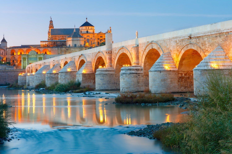 El puente romano de Córdoba recreó el Puente Largo de Volantis, por el que cruzan Tyrion y Varys en busca de Daenerys Targaryen.