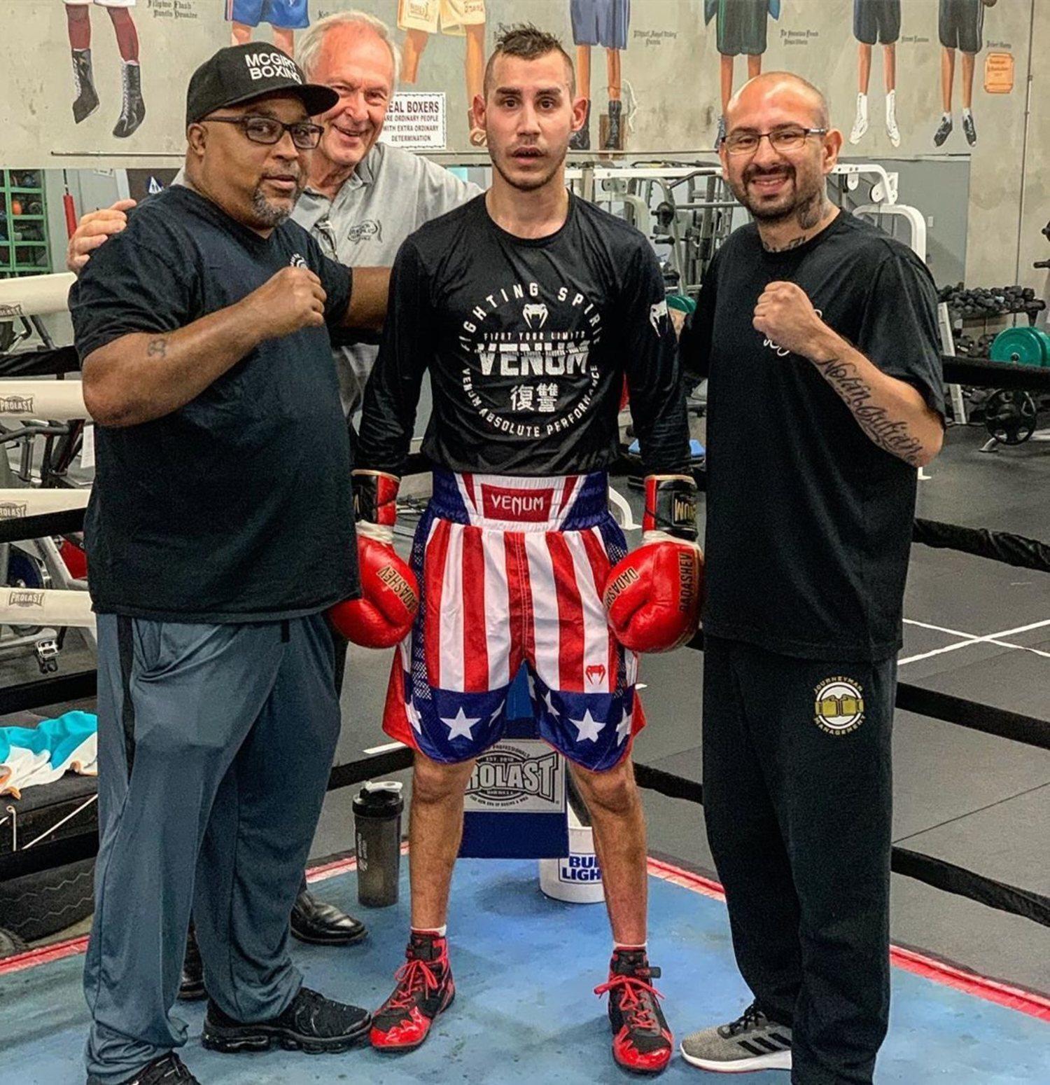 Maxim Dadashev, en un entrenamiento previo a la pelea contra Subriel Matias.