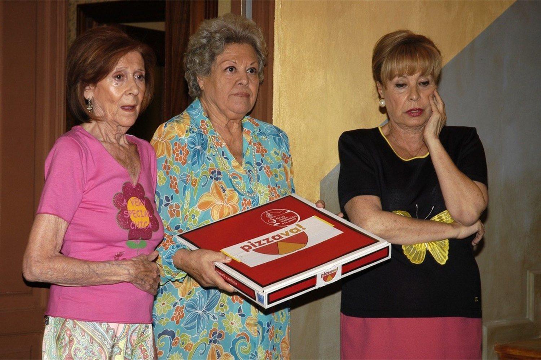 La sombra de RadioPatio es alargada, y a las tres señoras, no había información que se les escapara