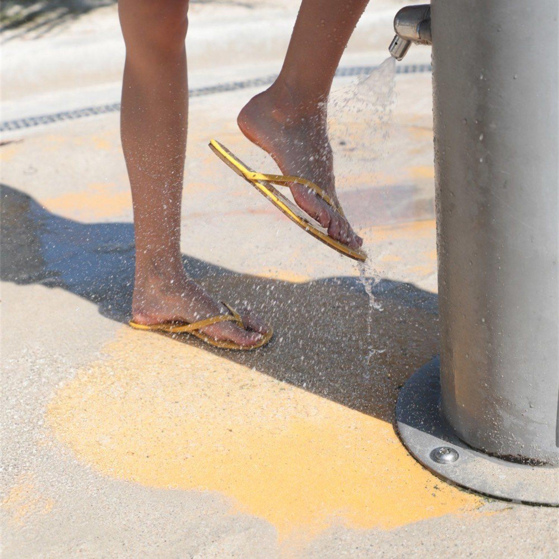 Las duchas para pies. Probablemente el invento menos efectivo de la historia