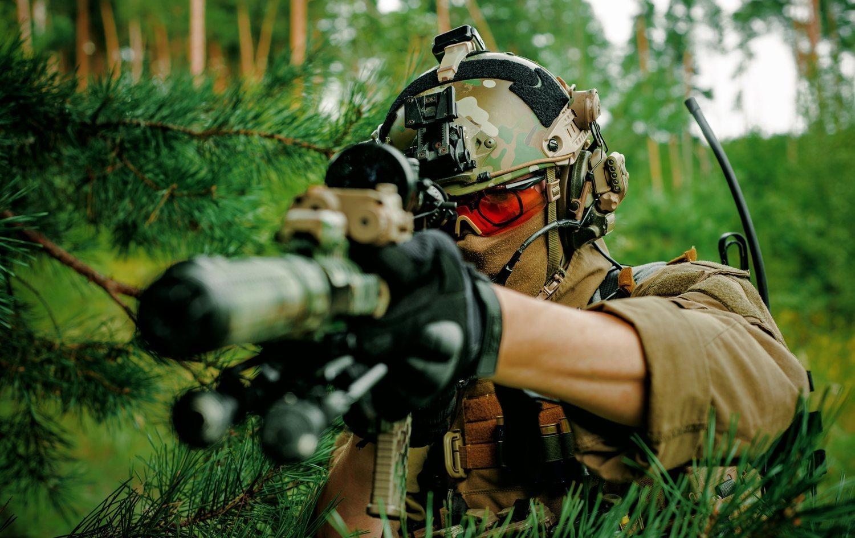 Las armas utilizadas en el airsoft se llaman 'marcadoras' y son réplicas de armas reales.