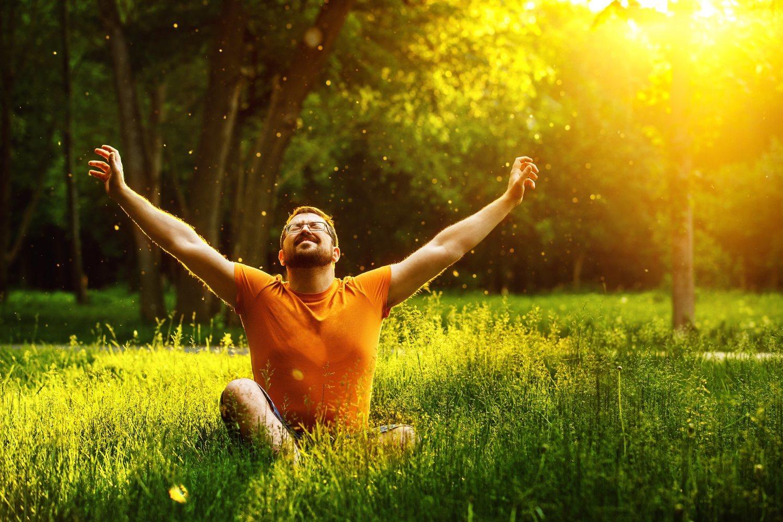 La felicidad de cada ser humano empieza por sí mismo.