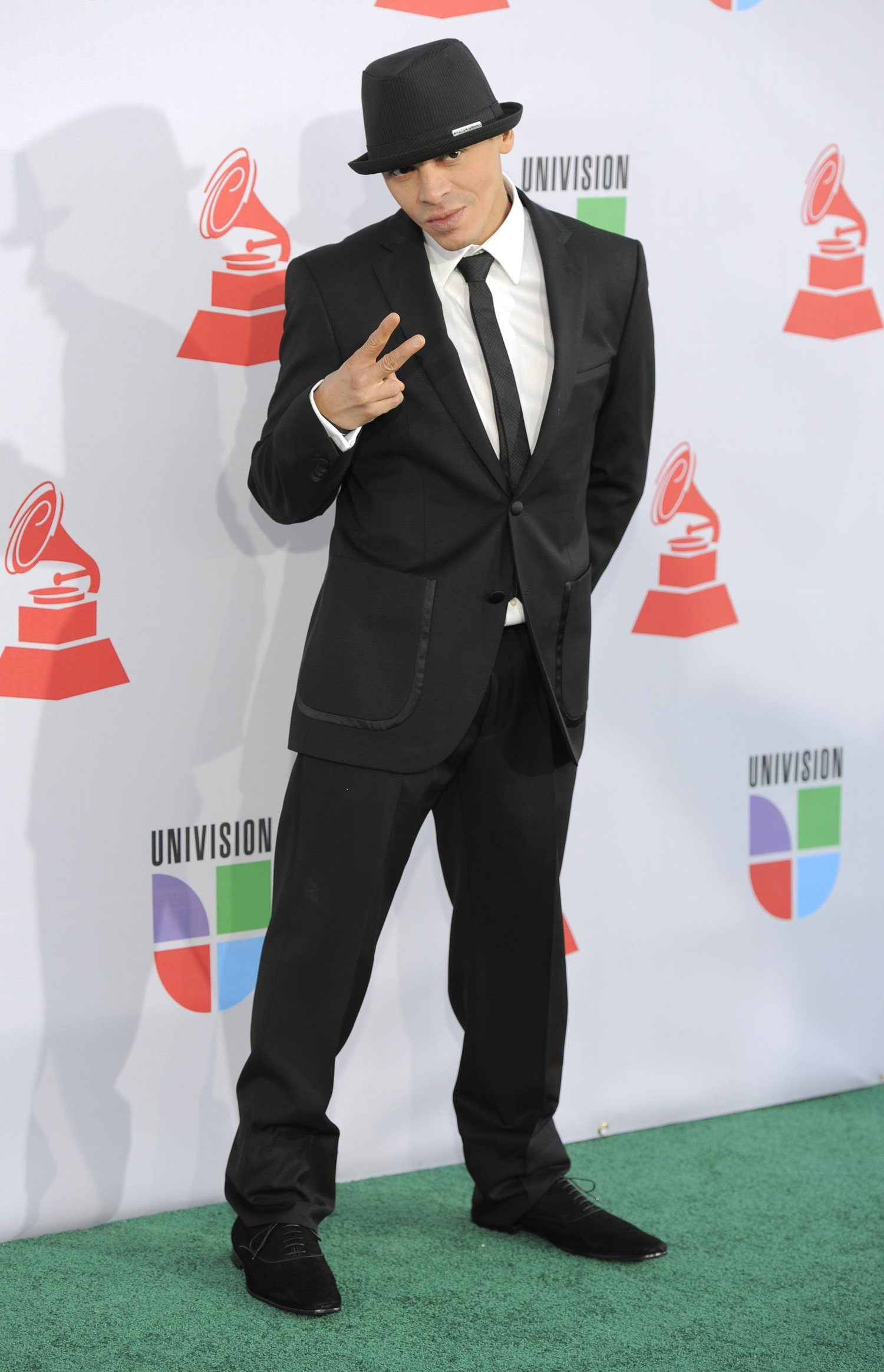Vico C, el padre del reggaeton, y su característico sombrero.