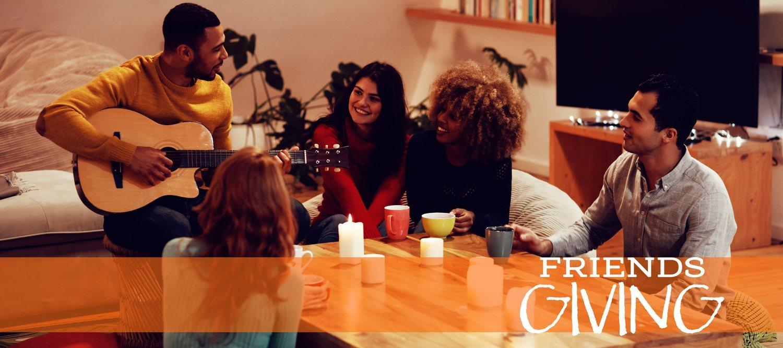 Friendsgiving es la nueva moda millenial para celebrar Acción de Gracias con amigos.