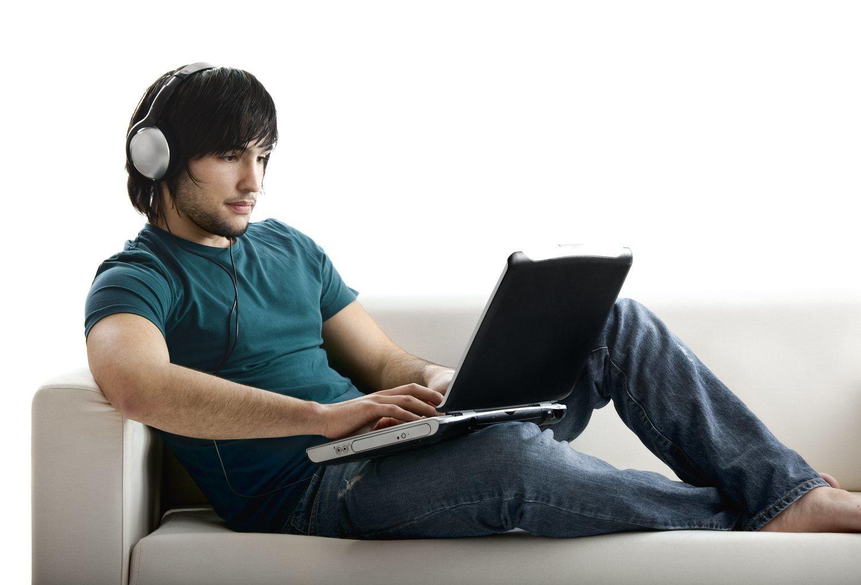 El ordenador también ha sido otro los dispositivos que nos ofrece multitud de posibilidades y con que el que podemos vivir una experiencia diferente con la radio