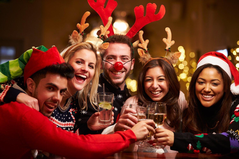 Las bebidas alcohólicas y los refrescos son dos de las causas principales por las que se gana peso en Navidad.