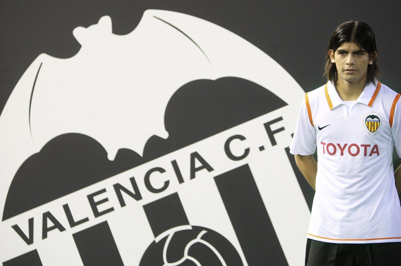 Ever Banega en su presentación con el Valencia