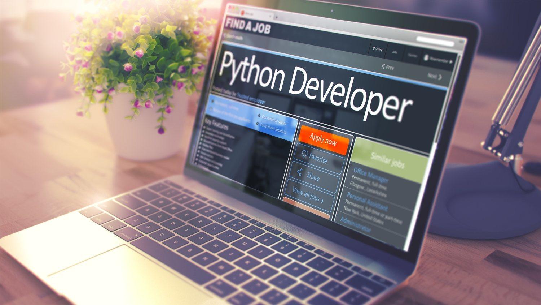 Python es un lenguaje informático muy presente en todo tipo de aplicaciones y sistemas operativos actuales, por eso es tan demandado.