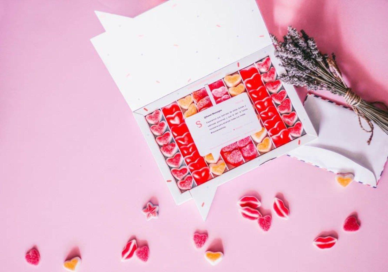 La caja de corazones de Sweet Messages puede ser el regalo perfecto para los más golosos.